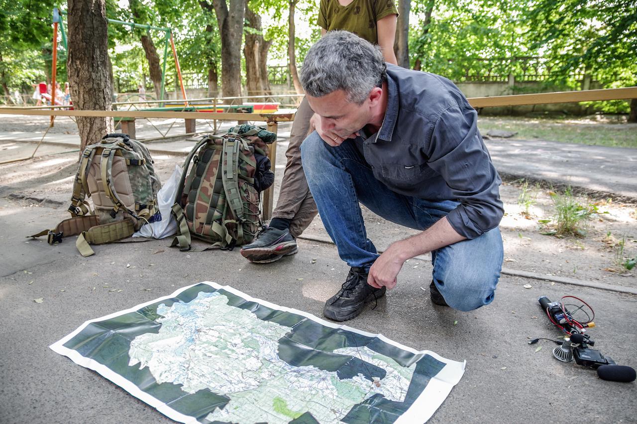 Šarūnas analizuoja zonos žemėlapį